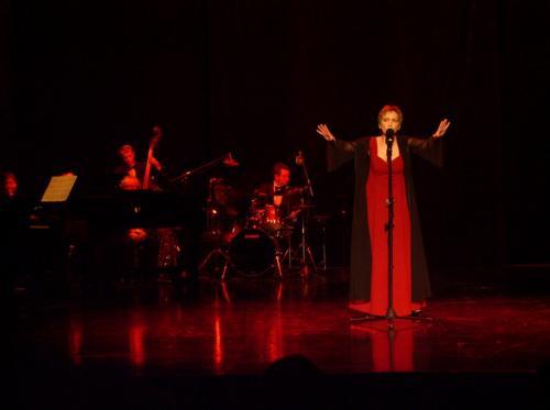 JESTEM ZNÓW. Maria Meyer śpiewa Brela
